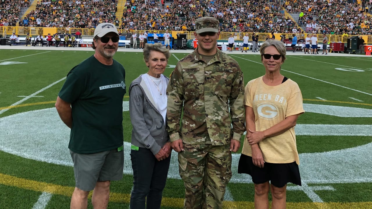 Operation Fan Mail Honors Austen Jahnke and Family at Lambeau Field